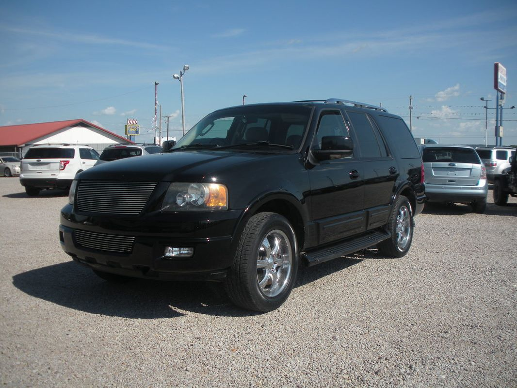 N909 2005 ford expedition limited black v8 at loaded leather 3rd row seat sunroof dvd running boards 6 950 00